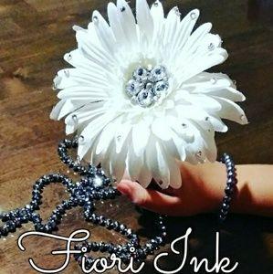 Gorgeous! BLINGED 💎  Flower Pen!